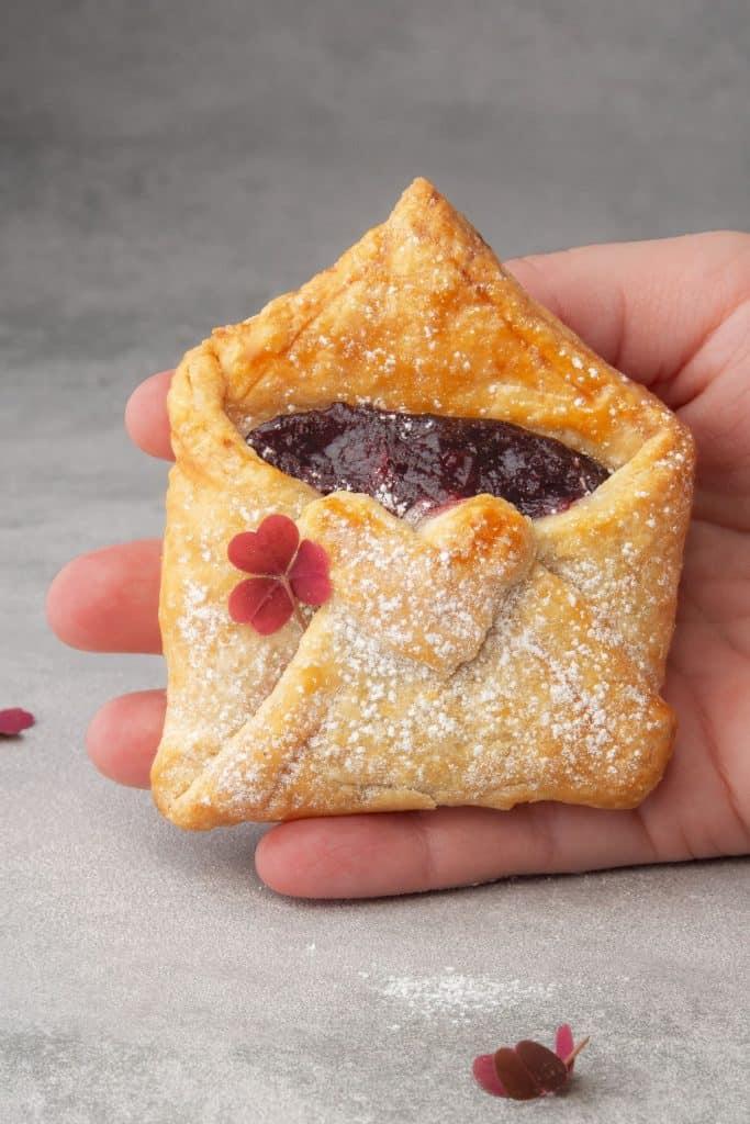 cherry mini pie