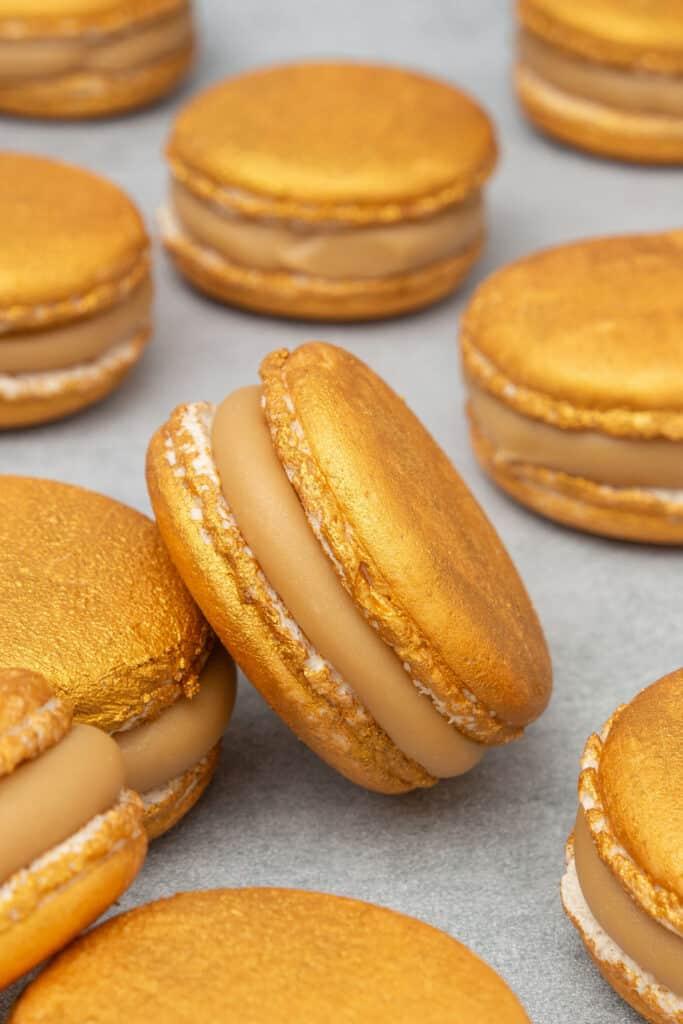 Gold macaron