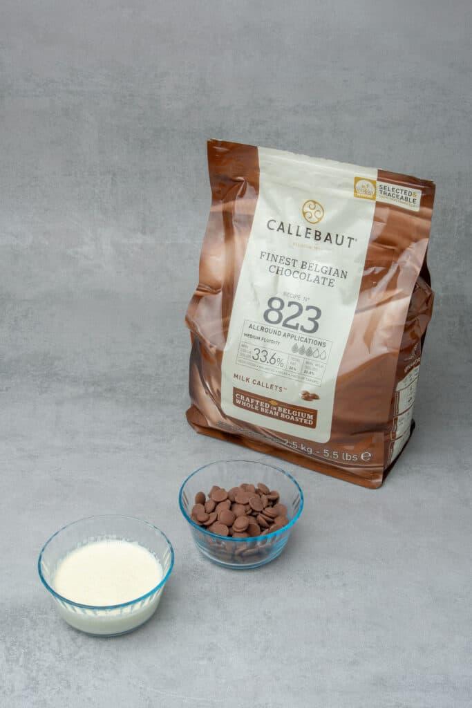 Chocolate hazelnut macaron