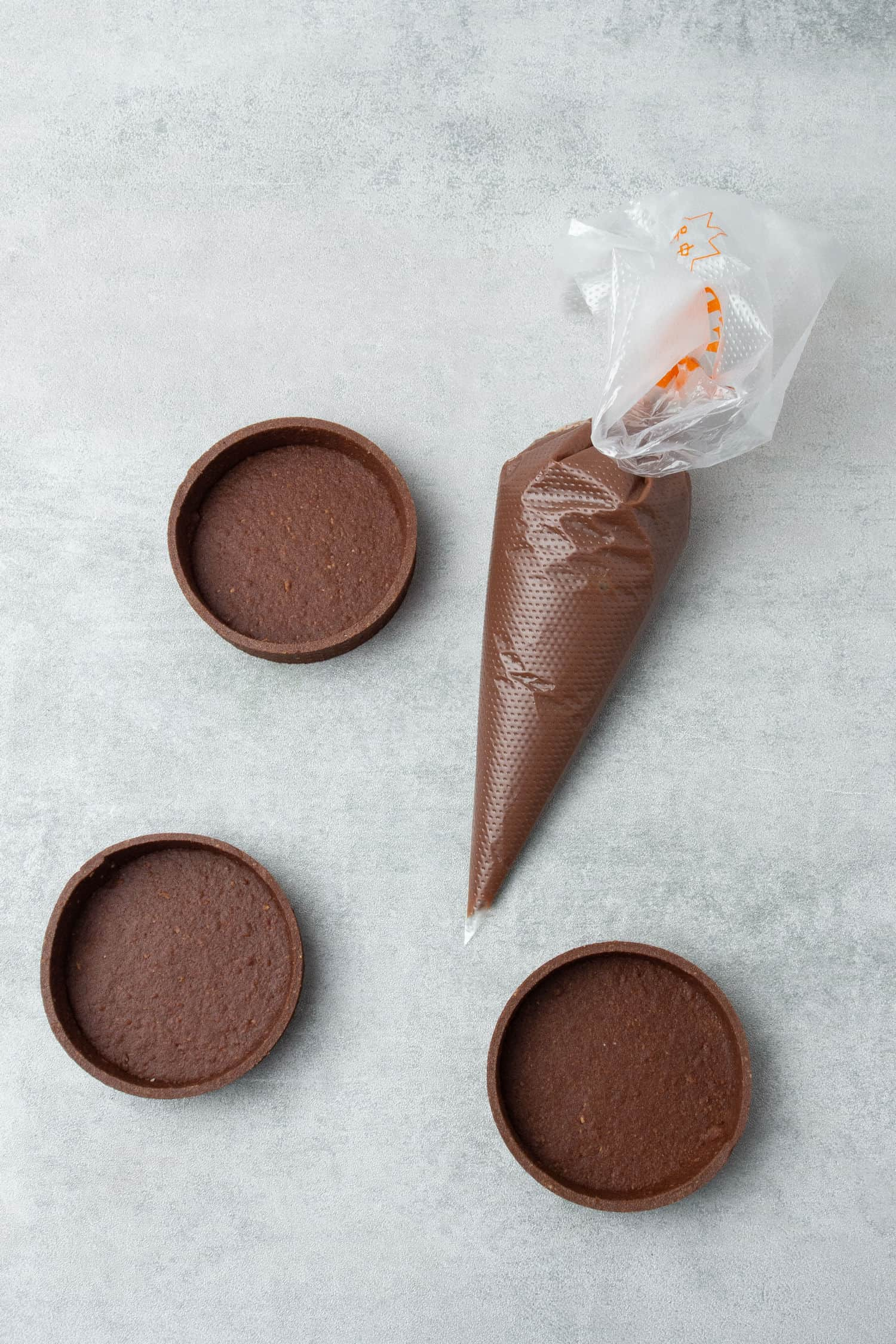 Chocolate & Passion fruit tart process