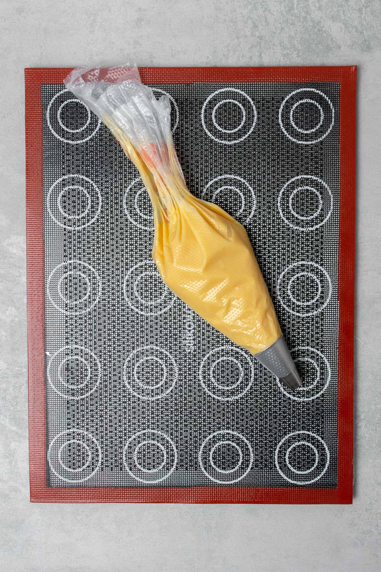 Crème Brûlée Choux au craquelin process
